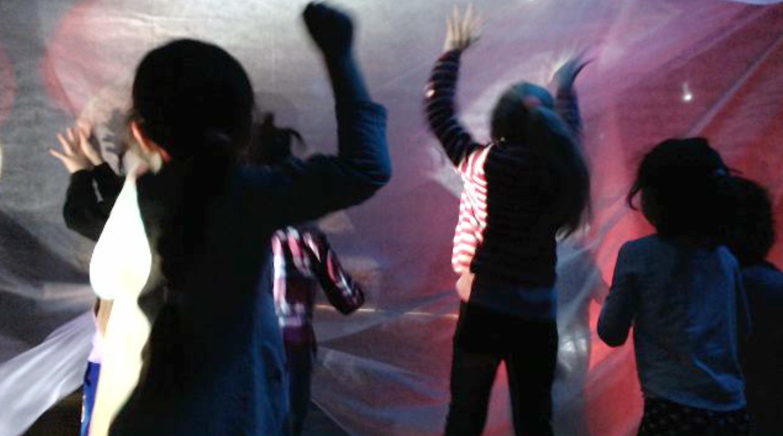 Dansande barn 1